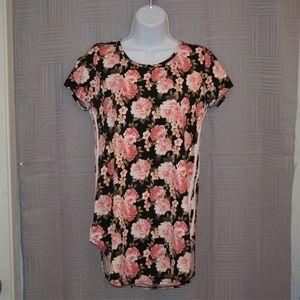 Discreet floral mini dress